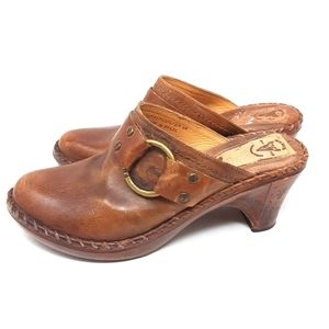 Frye Charlotte Distressed Leather Clogs 9